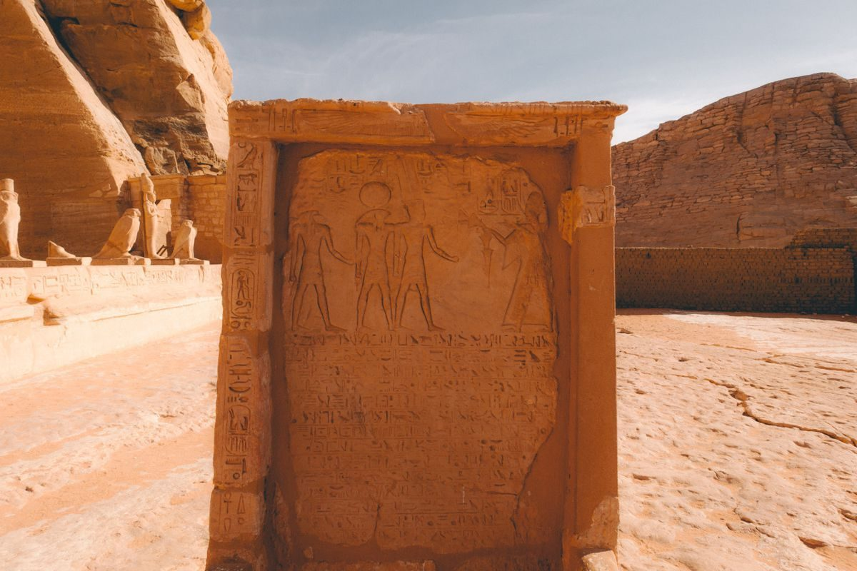abu-simbel-aswan-egypt-backpackers-image-14