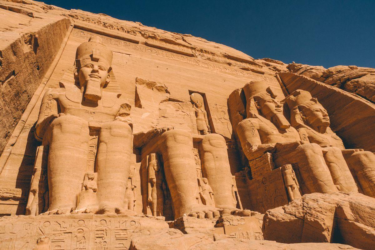abu-simbel-aswan-egypt-backpackers-image-20