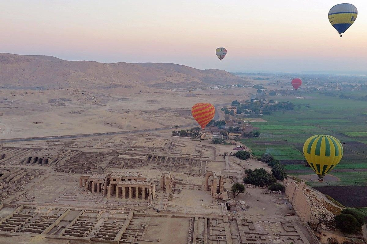 hot-air-balloons-in-luxor-egypt