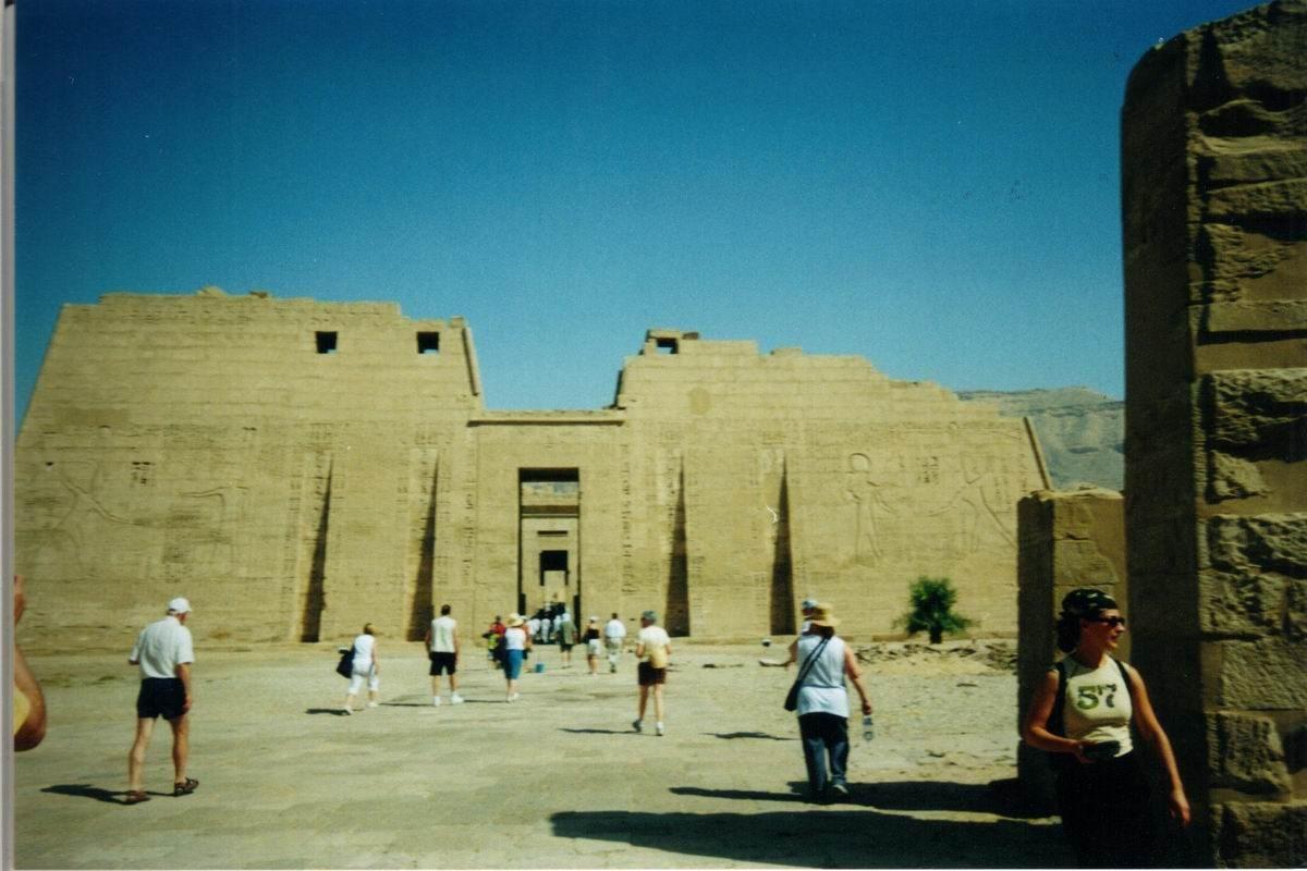 Medinet Habou – Enfilade des temples