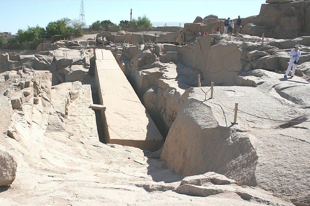Unfinished_obelisk